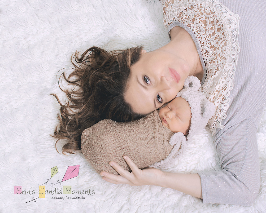 mother and newborn photography